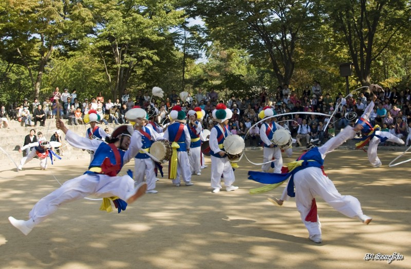 Gangwha's Yangsa Percussion Club Tries to Restore Some of Our Beautiful Traditions