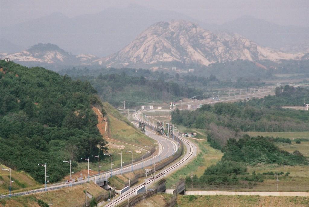 Donghae-bukbu line on Korean DMZ (Wikimedia Commons, by Kussy)