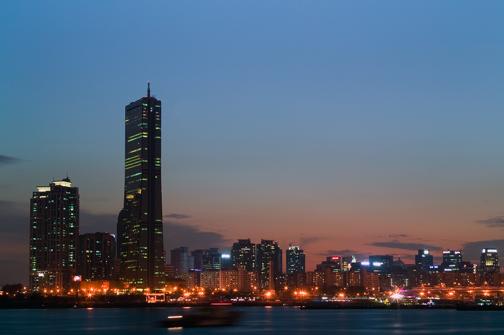 Yeouido, dubbed as Korea's Wall Street, is Seoul's principal business and financial district (image: Wikimedia Commons, by GFDL)