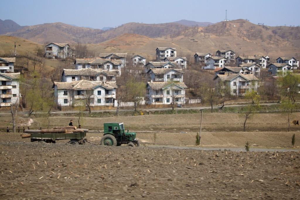 Wonsan - Hamhung Countryside North Korea (Flickr, by Joseph A Ferris III)