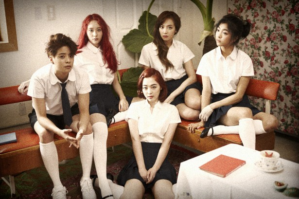 "f(x) is set to give their comeback performance for their new title tune ""Rum Pum Pum Pum"" on Mnet's live music show on July 25 (image: SM Entertainment)"