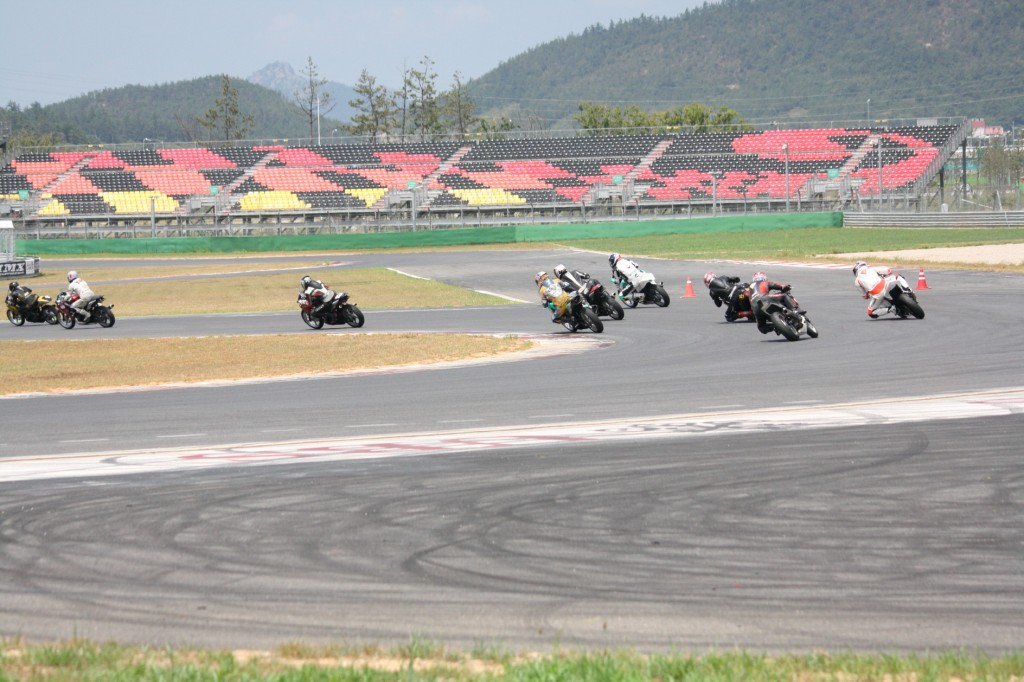 The 'KMF Korea Road Race Championship 3000,' Korea's largest motorcycle competition, was successfully held at the Yeongam F1 race track on August 18 with more than 1,500 spectators in attendance. (JeollaNamdo Government)