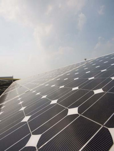 Hanwha SolarOne Exhibits Three HSL Series Modules at PV Expo 2014 in Japan