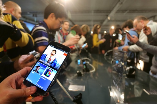 Samsung to Roll out Galaxy S5 Earlier Than Schedule