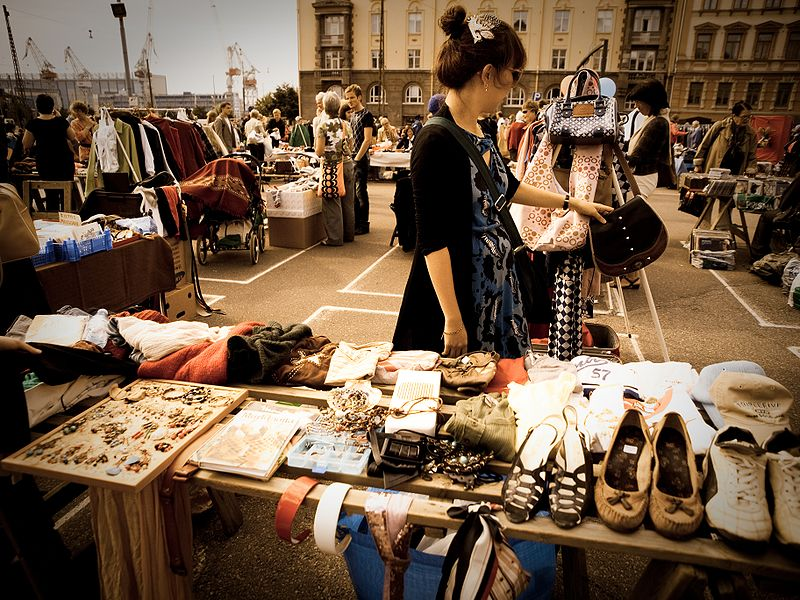 Seoul will open a flea market for foreign residents at Gwanghwamun Plaza in downtown Seoul on March 23. (image: Janne Hellsten/Wikimedia Commons)