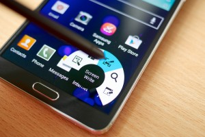 Samsung's proprietary apps are being shunned by Galaxy users. (image: Janitors/flickr)