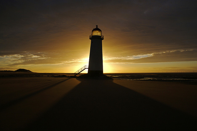 The best lighthouse is one run by an experienced keeper who knows exactly when to light up and where to shed light. (image:Richard Leonard/flickr)