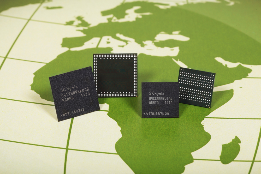 The amount of carbon emissions of the certified products, the 20-nm 4-GB LPDDR2 and LPDDR3 mobile DRAMs, are 21 percent and 9 percent lower, respectively, than that of the current 30-nm 4-GB LPDDR2 DRAMs. (image: SK Hynix)