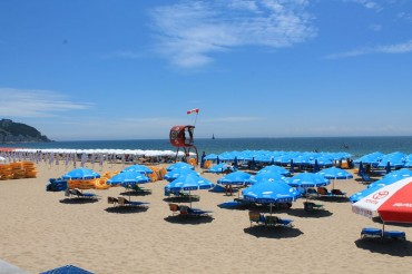 Haewoondae and Gwanganri Beaches Now Ready for Vacationers