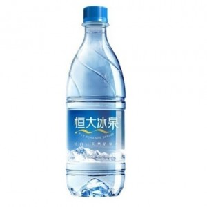 A mineral water made by Hengda bingquan