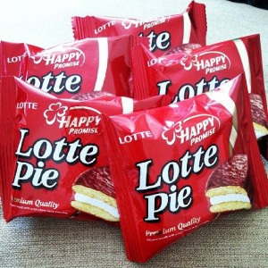 """Choco Pie"" has played an important role in spreading the Korean Wave into North Korean society with its especially sweet taste that North Koreans can hardly get in the communist country. (image: debbietingzon/flickr)"