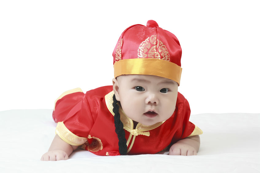 As China plans to abolish the long-cherished one-child policy, so local companies plan to rush into China and will have a neck-to-neck race to grasp Chinese babies. (image: Kobizmedia/ Korea Bizwire)
