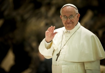 Brisk Book Sales on Pope Francis Helped by the Papal Visit