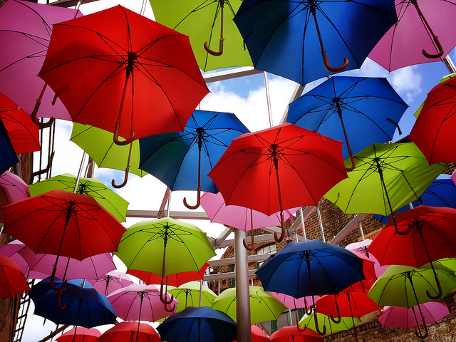 Any customer of the bank can just pick up and take the umbrella when needed and return it afterward. (image: NeilHallPix/flickr)