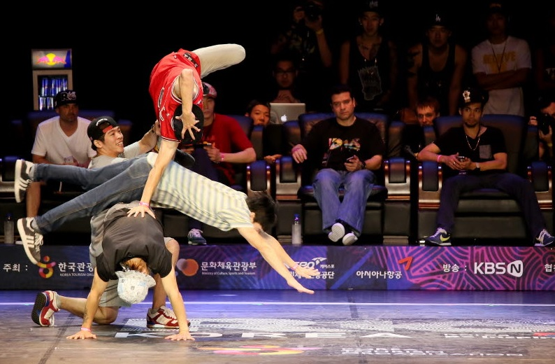 R16 Korea is emerging as an international b-boy festival and is loved to a degree that preliminary competitions are being held in around 20 countries. (image: KTO)