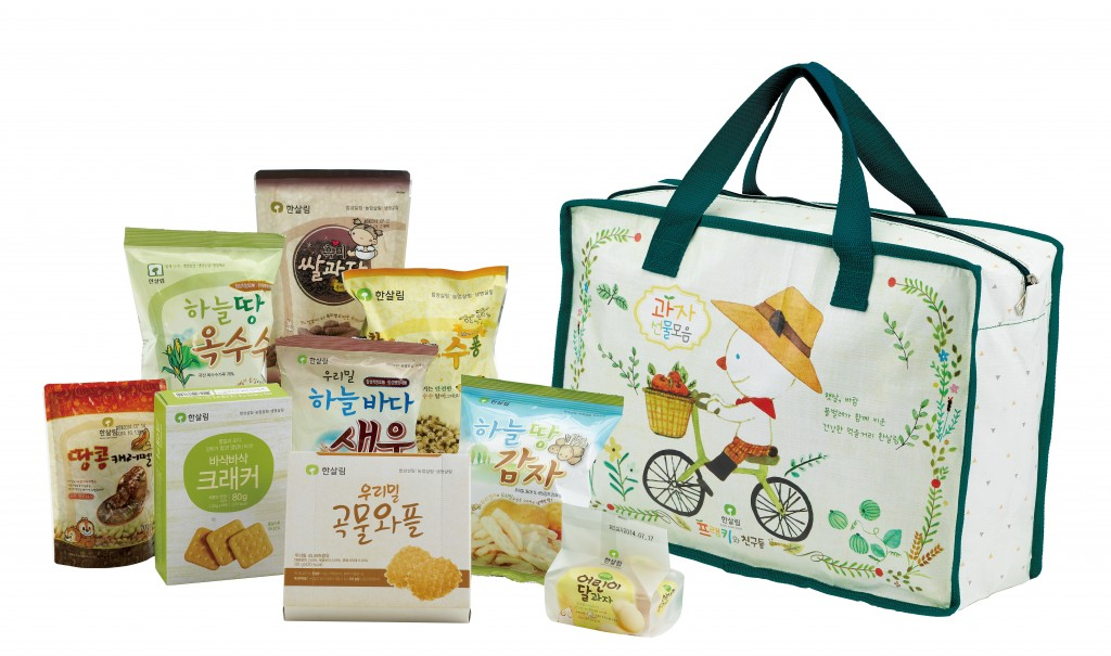 """Hansalim, which has been producing organic products since the 1980s, is hoping that the collaboration with the characters will generate synergy effects in promoting the """"organic"""" and """"healthy"""" attributes of its products. (image: Hansalim)"""