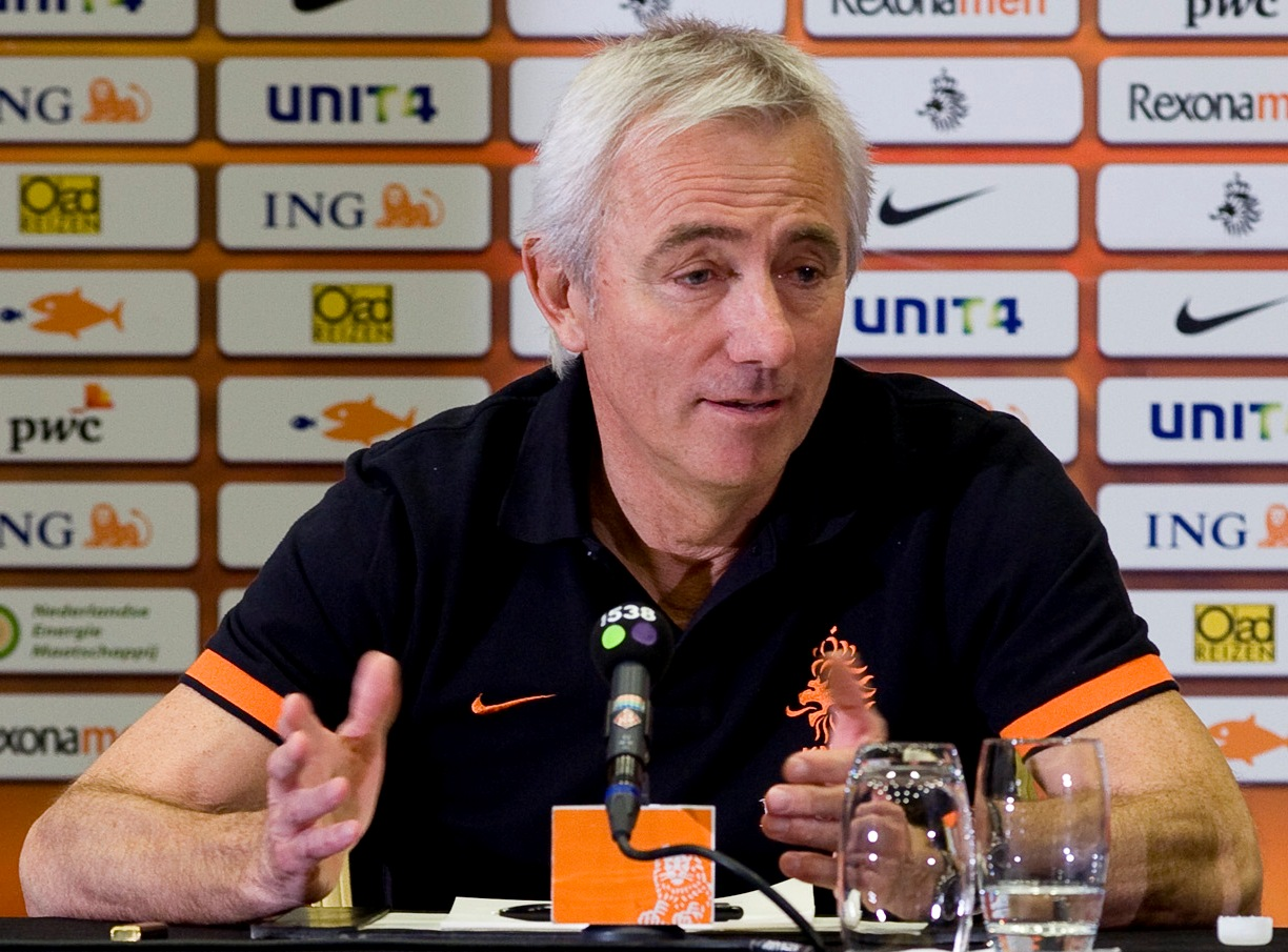 """""""I would rather spend time with my family."""" Koreans, well known for their workaholic lifestyle, were greatly surprised at the news about Van Marwijk's demand for work-life balance on the condition of accepting the head coach for South Korea's national football team. (image: Wikipedia)"""