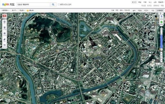 On a zoomed-in map one can even see buildings and train stations that were considered confidential in the hermit kingdom. (image: Daum)