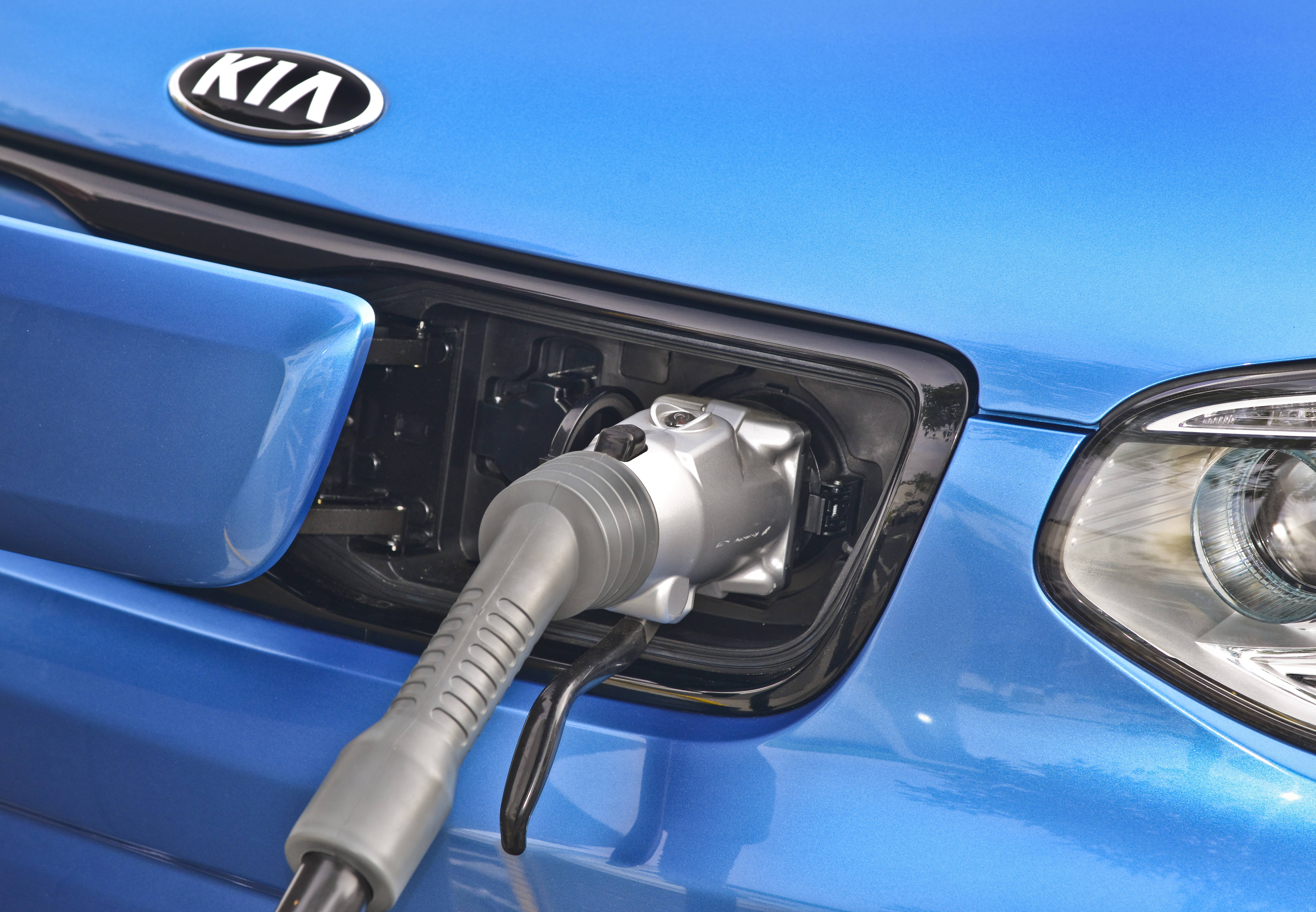 Kia Motors America is kicking off the implementation of a robust charging network in advance of the Soul EV going on sale in California during the third quarter of this year. (image credit: Kia Motors America)