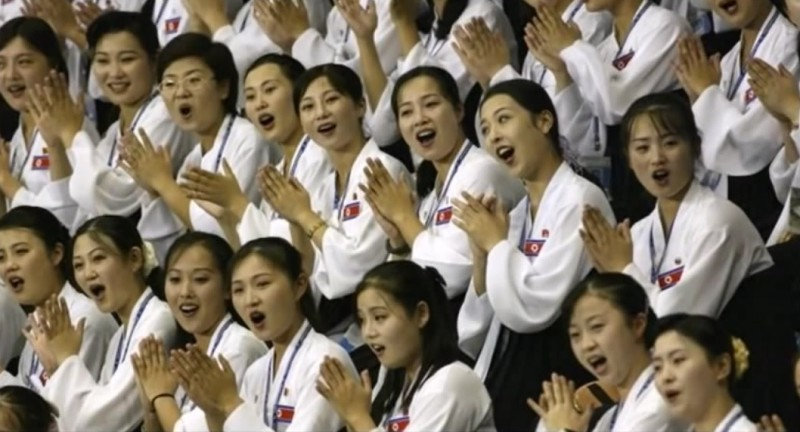 [Quote] Ministry of National Defense Criticized for Article on North's Cheerleaders