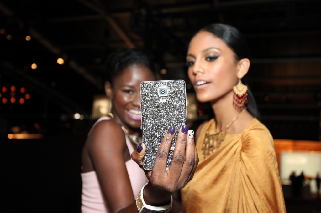 Samsung Enthralls Fashionistas at New York Fashion Week-3