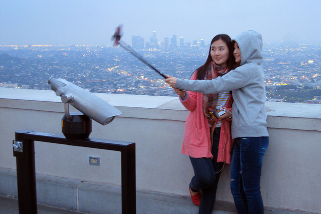 New Hot Stick for Better Selfies Makes its Way to the World