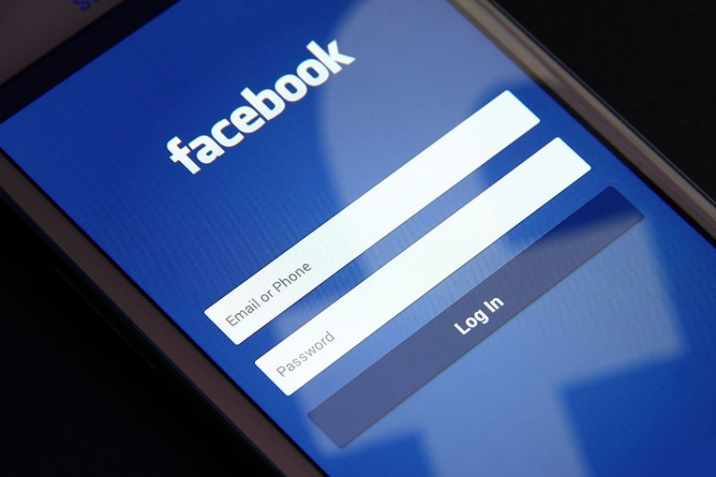 What Will Come out of Facebook-Samsung Tie-up?