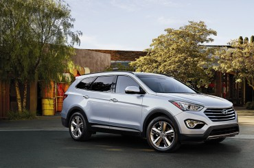 2015 Hyundai Santa Fe Lineup Offers New Standard Features, Revised Steering and Suspension Tuning