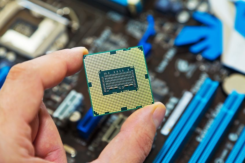 Especially in case of semiconductor, Korea accounts for 23.9 percent of market share and is followed by China with 20.7 percent. The gap between the two rivals is only 3.2 percentage points. (image: Kobiz Meida / Korea Bizwire)