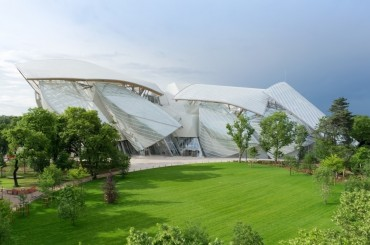 Artprice Lifts the Veil on the New Louis Vuitton Foundation in Paris
