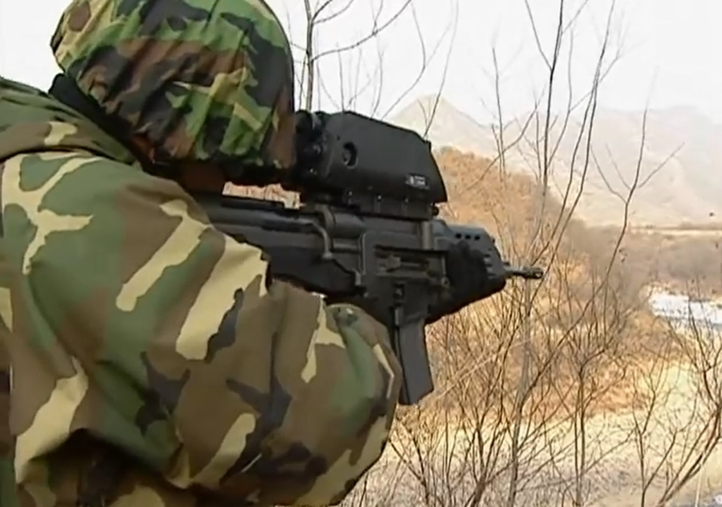 The K-11 rifle, South Korea's home-grown technology turned out to have serious quality problems that were divulged during the National Assembly's inspection of the government offices last week. (image credit: S&T Motiv)