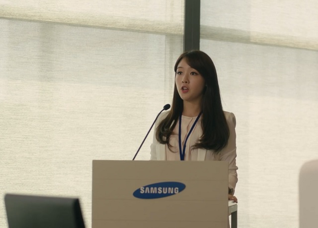 Girl's Day's Minah Becomes Rookie of Samsung Electronics