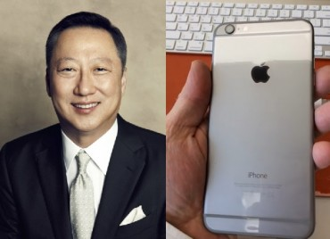 Korean CEO's Unboxing iPhone6 Demonstration Makes an Instant Hit
