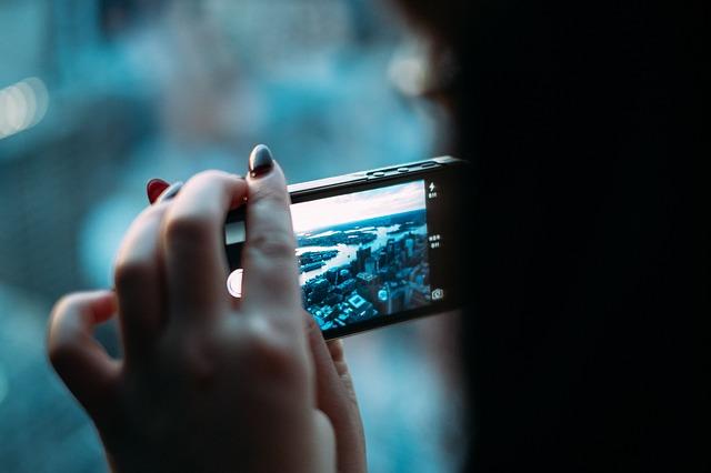 Coronavirus Pandemic Behind Smartphone Overuse