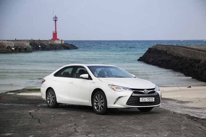 "Toyota Korea, ""New Camry Will Compete with Passat"""