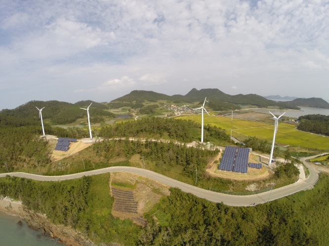 Northern Power Systems is now offering throughout Asia both its next generation distributed wind turbine, featuring state-of-the-art blade technology and a variety of hub heights. (image: Northern Power Systems)