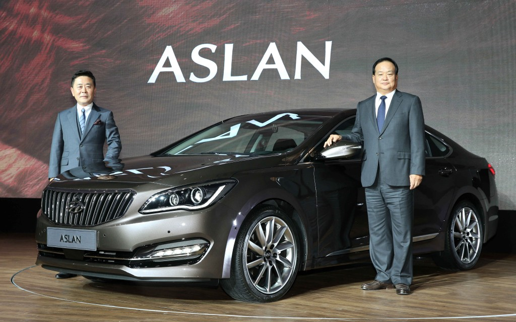 The Aslan, which means lion in Turkish, straddles Hyundai's flagship premium sedans of Grandeur and Genesis targeting the same potential consumer groups in their 40s and 50s. (image: Hyundai Motor)