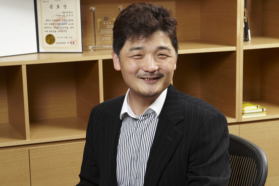 Kim Beom-su, chairman of Daum Kakao, said his company will invest more aggressively in social impact start-ups. (image: Daum Kakao)