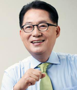 Accusing Someone of Being Pro-business Is Anachronistic…Park Jie-won