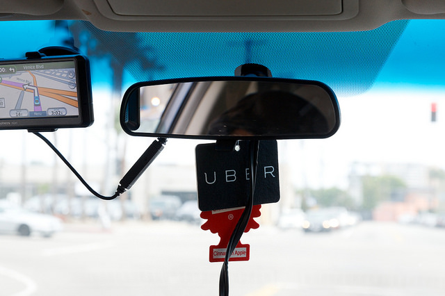Seoul City to Pay $900 to Those Reporting Illegal Uber Taxi Operators