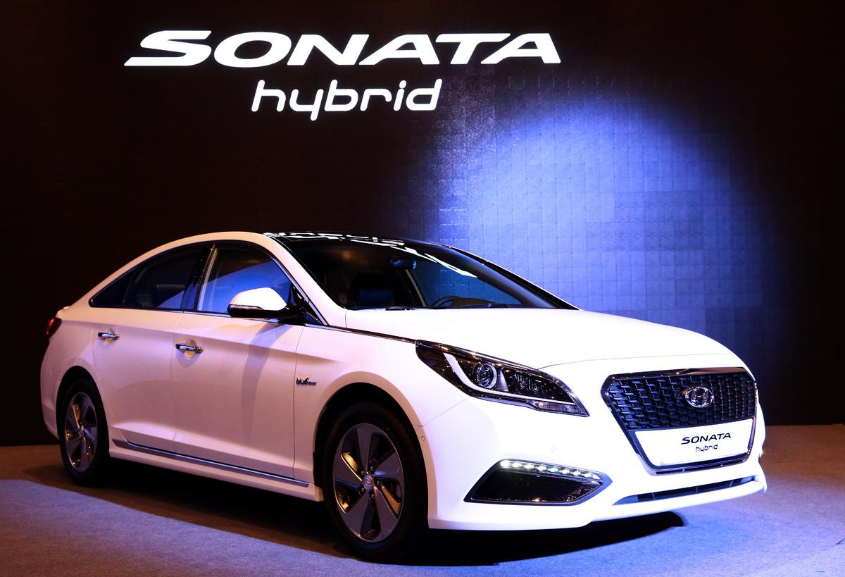 2016-hyundai-sonata-hybrid-1_1200