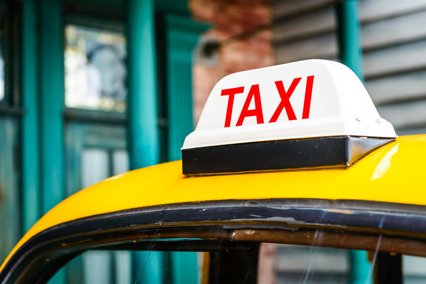 Comparing to Uber which was declared illegal in the city of Seoul a few months ago, the definite advantage of Kakao Taxi is its legality. (image: Kobiz Media / Korea Bizwire)
