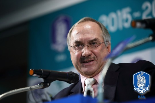 """What's Most Needed for Korean Football Is Passionate, Eager Players""…Stielike"