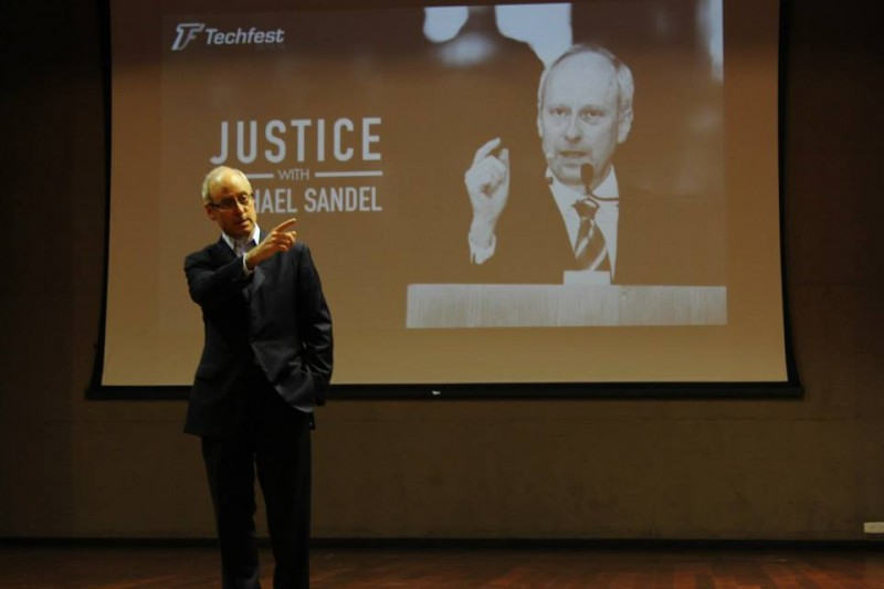 "Michael Sandel, Writer of ""Justice,"" Becomes Honorary Seoul Citizen"