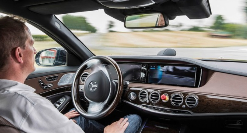 LG Electronics and Mercedes-Benz are jointly exploring the design of next-generation camera systems for automated driving, allowing the driver to transfer some driving tasks to the intelligent vehicle. (image: Mercedes-Benz)
