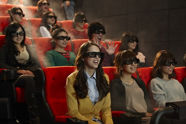 4DX effects allow theatergoers to experience all five human senses with rain, wind, fog, strobe lights, smells and vibration while watching films. (image: CJ 4DPLEX)