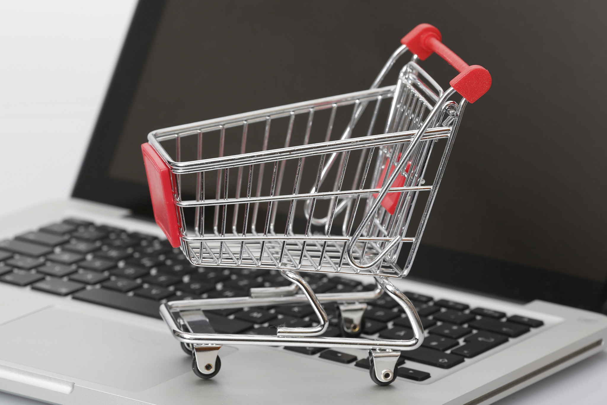 South Korea's online shopping sales surged 20.1 percent on-year during the fourth quarter of 2014. (image: Tim Reckmann / flickr)
