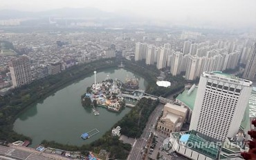 Seokchon in Distress: House Price Concerns Drive Residents to Change Their Address