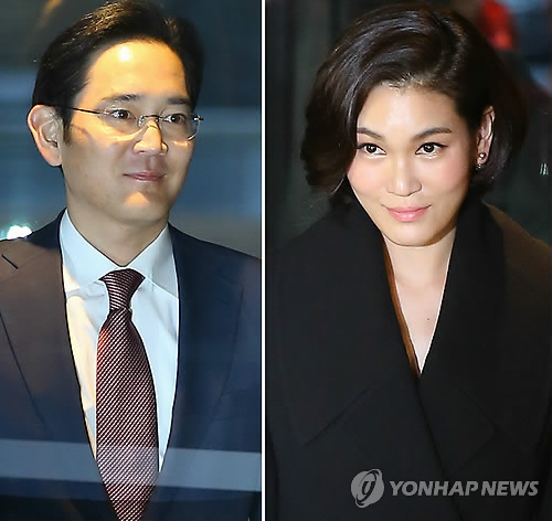 Lee Jay-yong (L), vice president of Samsung Electronics and his younger sister Seo-hyun (R), president of Cheil Industries Inc. appear before the press to attend the annual banquet with executives held at Hotel Shilla Co. in Seoul on Jan. 19, 2015. (Image: Yonhap)