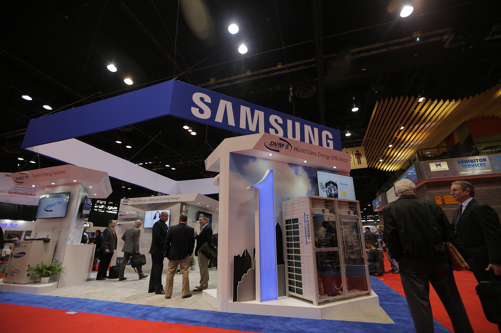 Samsung and MS said Tuesday they have decided to end their yearslong patent fee dispute but declined to provide details on the conditions of the agreement. (image: Samsung Electronics)